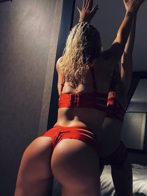 Maria-mercedes independent escort