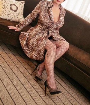 Marie-suzanne outcall escort in Lakeside Virginia